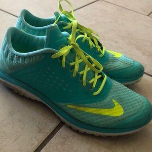 Tennis shoes - Nike
